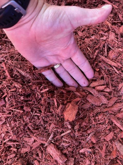 Hardwood Blend Red Mulch